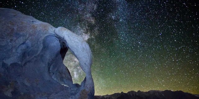 Milky Way Time-Lapse – Double Arch – Alabama Hills