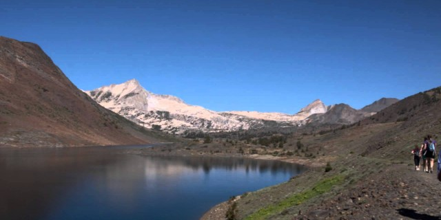Hike-Lapse Experiment – Saddlebag Lake