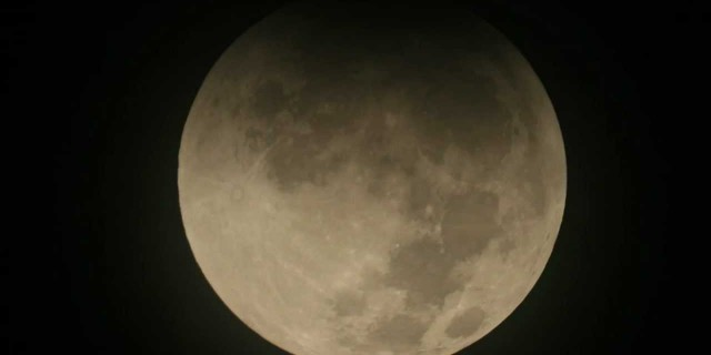 Lunar Eclipse Time-Lapse Through Telescope 12/10/11